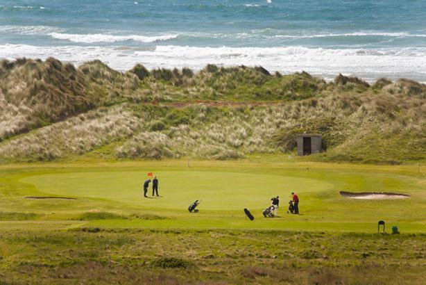 Il y a également un parcours de golf 18 trous à Aberdyfi