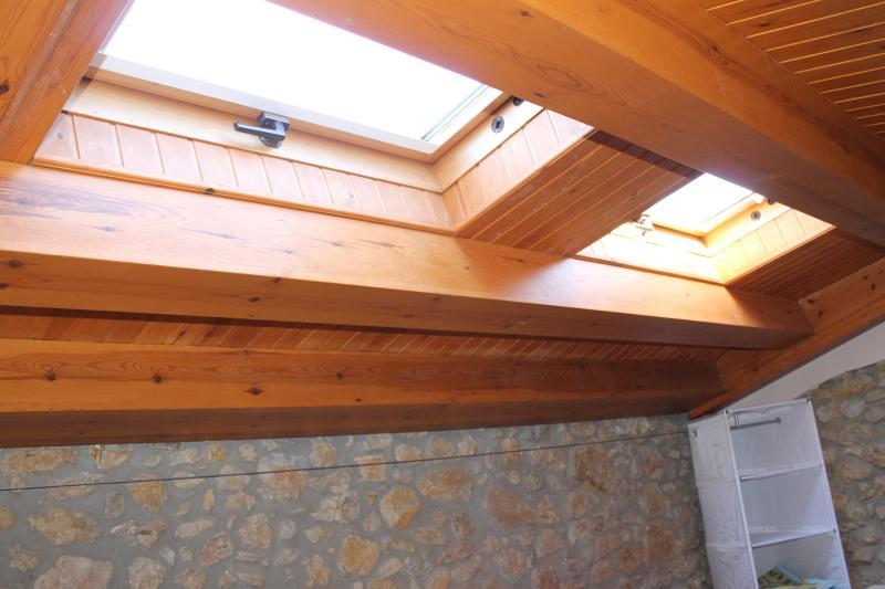 Claraboya en techo altillo