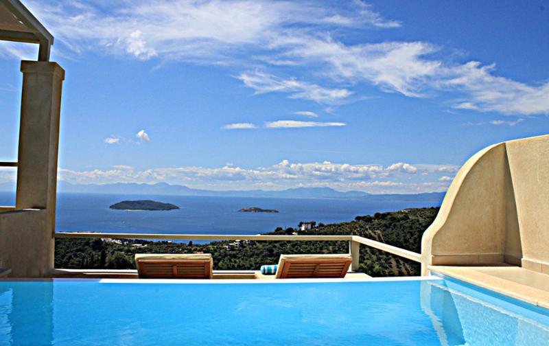 Villa Zaki 5 with private swimming pool, location de vacances à Skiathos Town