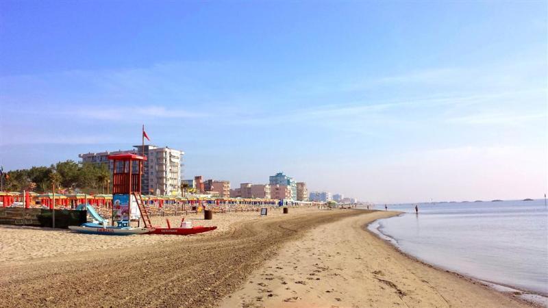 La playa de conectar las costas norte de comacchio... un hermoso paseo
