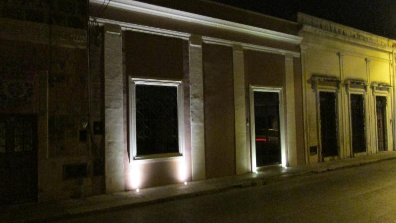 Casa Lola at night