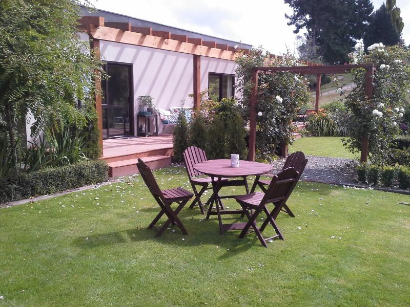 B&B The Sheep Out, holiday rental in Oamaru