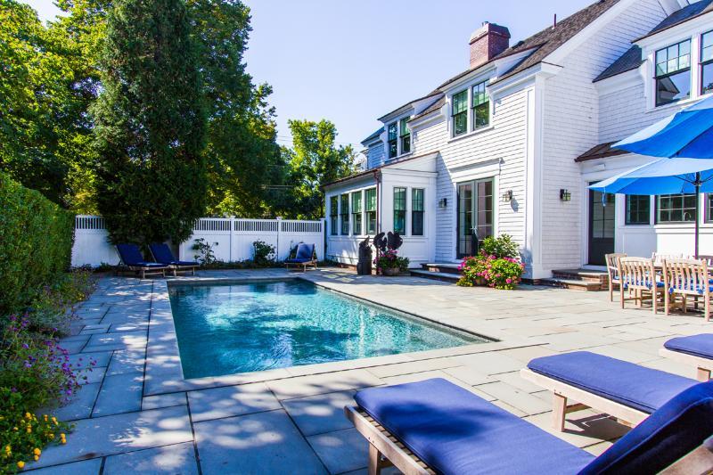 Perfect Patio, Pool e Patio Dining Area