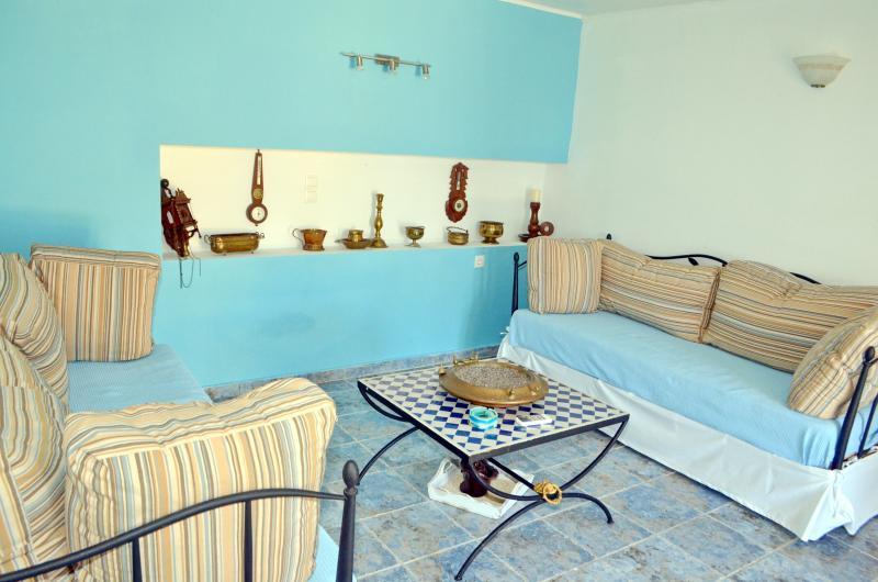 Beach front Villa Romanza, holiday rental in Tilos