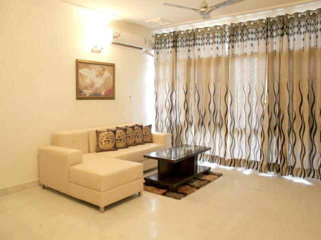 Olive Service Apartments - Defence Colony Delhi, vacation rental in Sahibabad