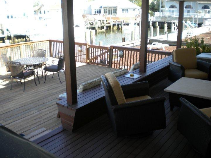 Three decks, dock area with sink and floating dock