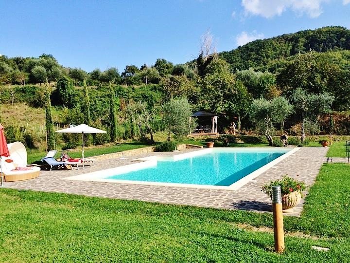 Big villa with swimming-pool & Wifi, casa vacanza a Cinigiano