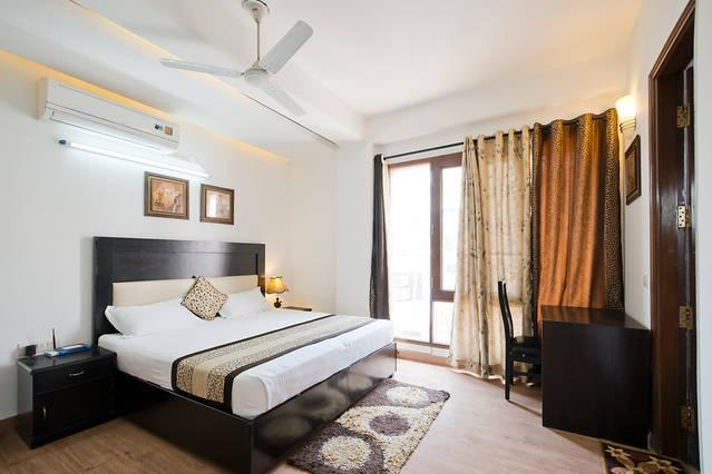 Olive Service Apartments - Green Park Delhi, vacation rental in Sahibabad