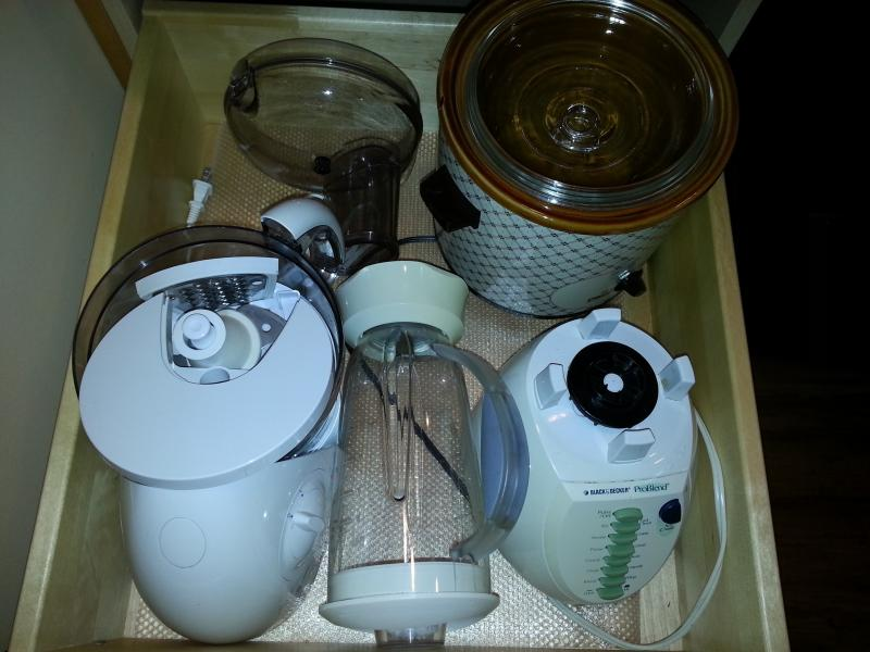 Crock pot, blender, food processer