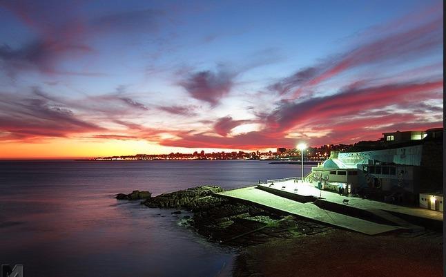 Azarujinha plage (vue de la nuit)