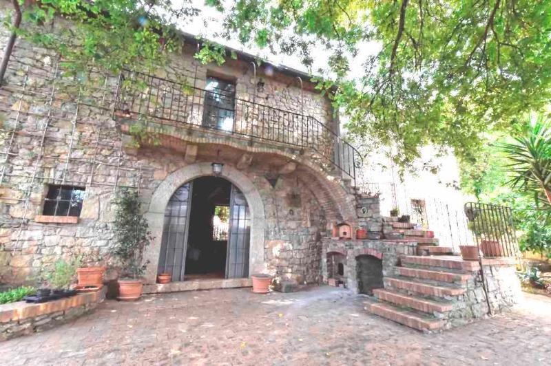 La Ripa di Campo Soriano - L' Olmo, vacation rental in Frasso