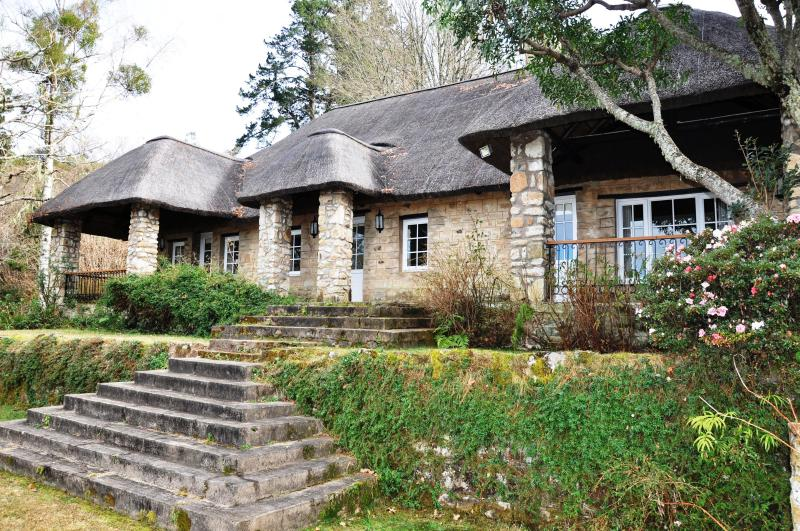 BREDON STONE COTTAGE- SELF CATERING, holiday rental in Eastern Cape