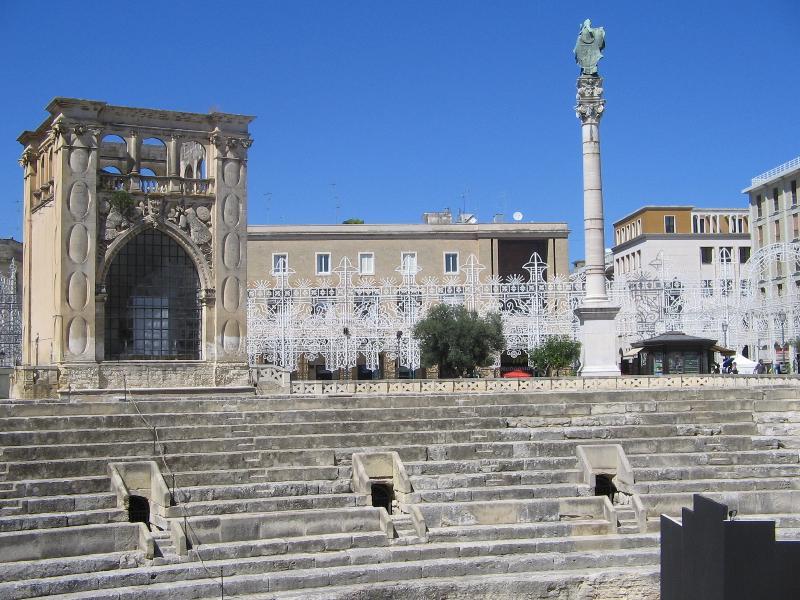 Lecce and its amphitheatre