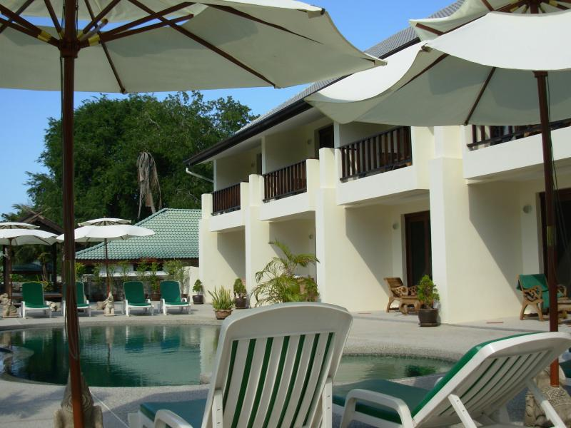 Papillon Residence, alquiler vacacional en Plai Laem