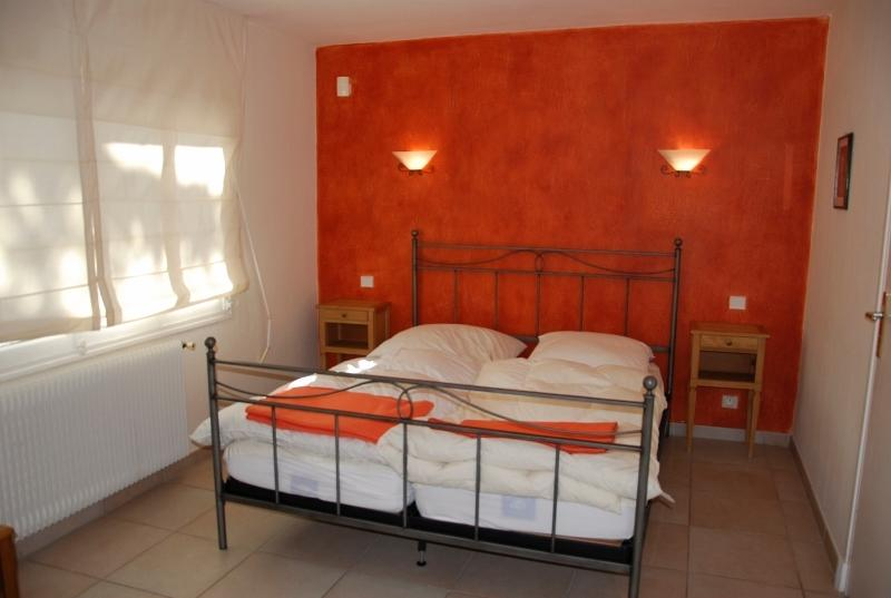 The orange room with private shower room