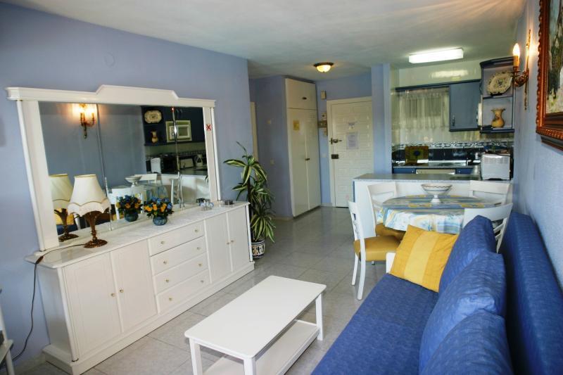 Jupiter one bedroom apartment, location de vacances à Benalmadena