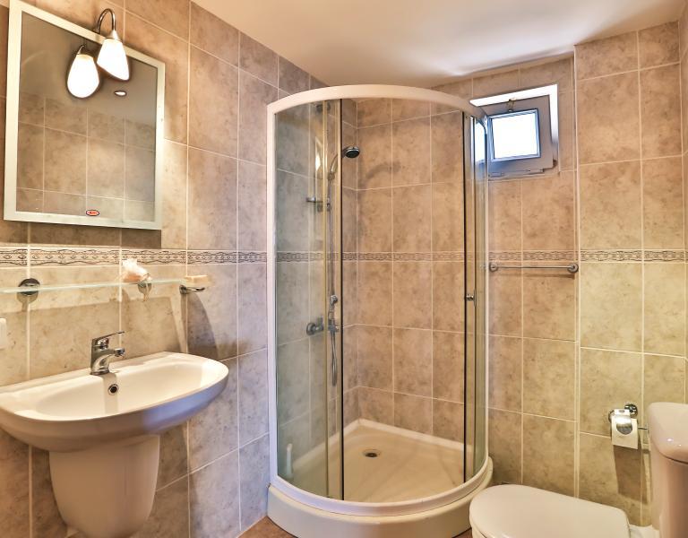 En suite shower room of master double bedroom.