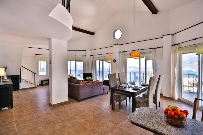 Welcome to the beautifully spacious Penthouse, The Grand.