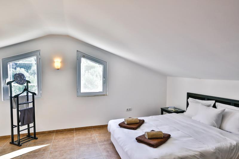 Upper floor double bedroom with bathroom en suite.
