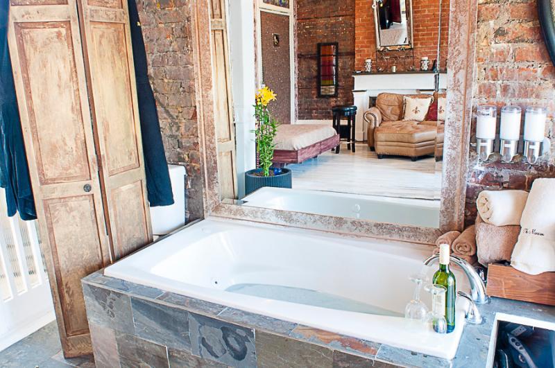 Open concept jacuzzi  tub
