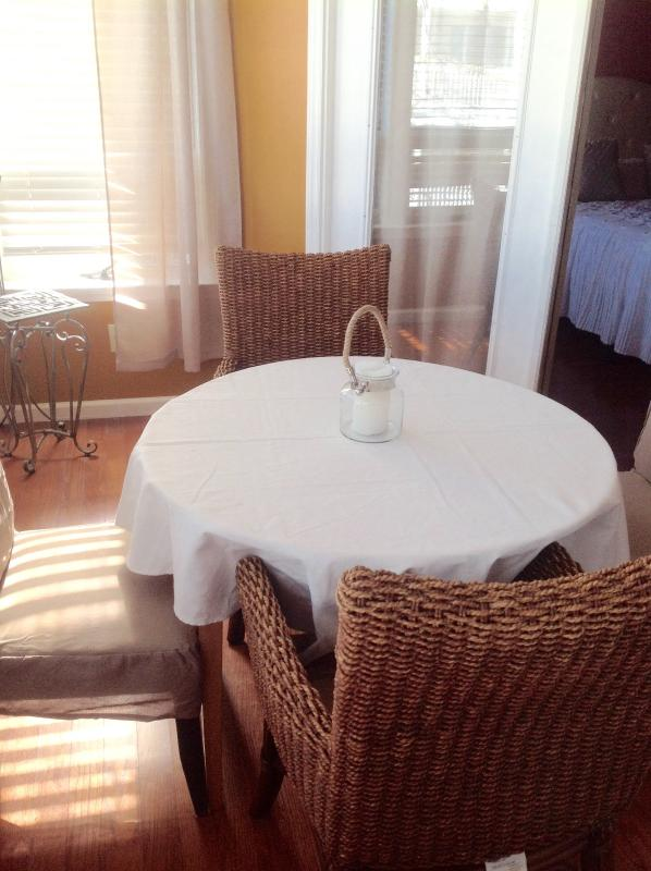 Enclosed sunroom /dining area