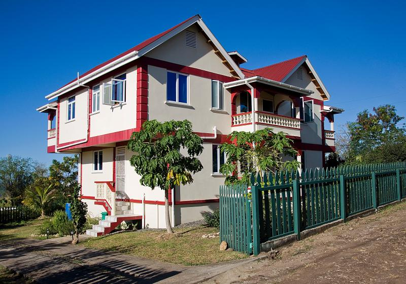 Family-friendly apartment near beaches, Salisbury, holiday rental in Dominica