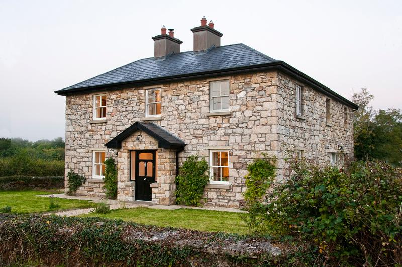 Albertine Lodge, Carrick on Shannon Country House, holiday rental in County Leitrim