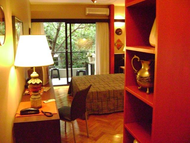 Studio Rojo Belgrano 2 Pax Great Location., holiday rental in Villa Ballester