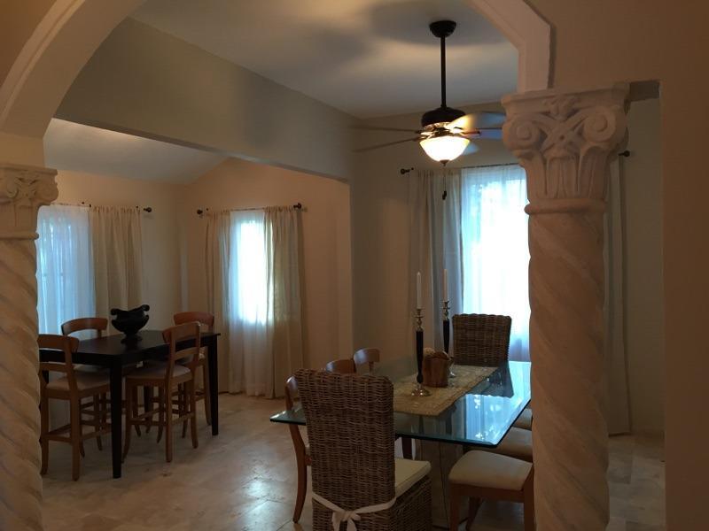 Dinning Room Seats 12
