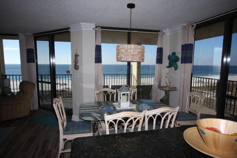 Beachfront view from 3 walls. Nothing like a corner unit!