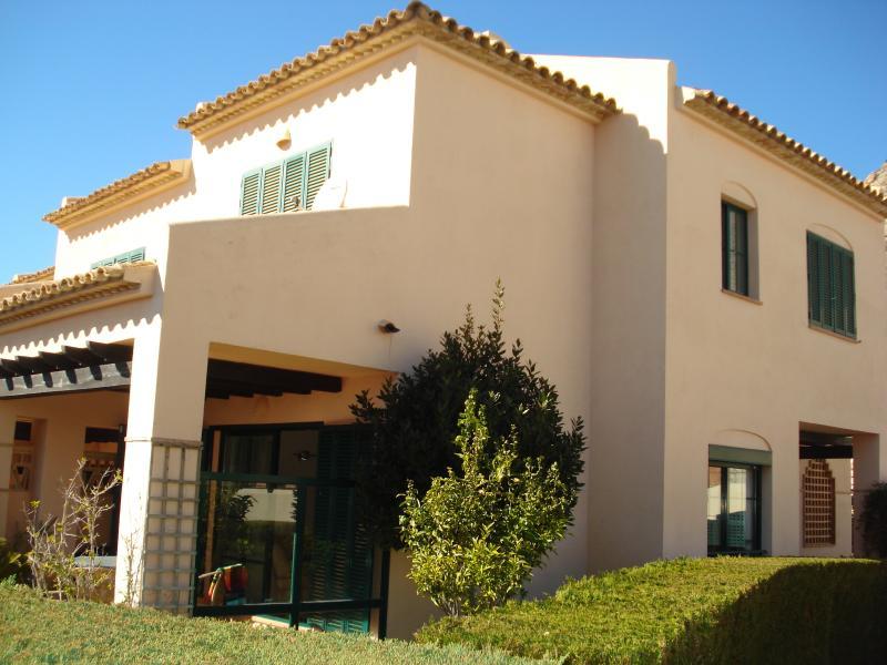 Lovely 2 bedroom sunny house in Sierra Cortina