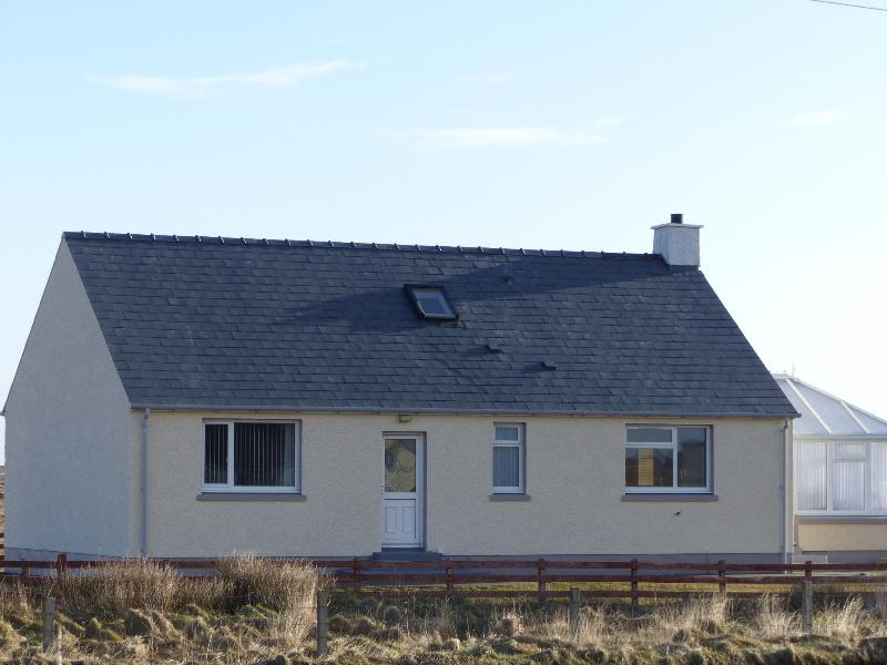 Lochside Cottage, holiday rental in Benbecula Island