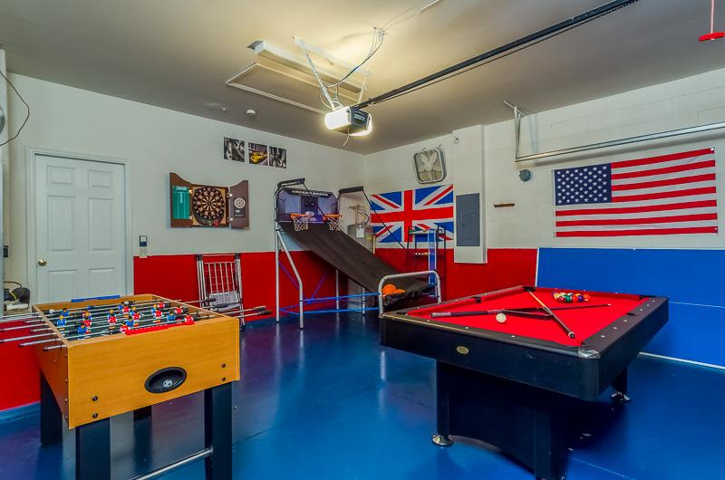 Games room, pool, table tennis, foosball basket ball and darts