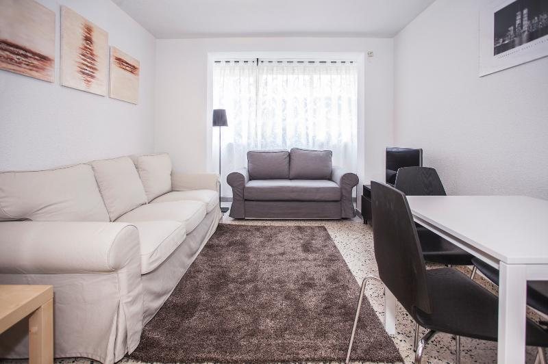 Apartamento para grupos, vacation rental in Madrid