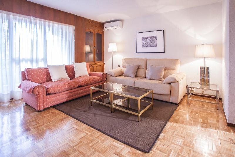 Apartamento ideal familias, location de vacances à San Fernando de Henares