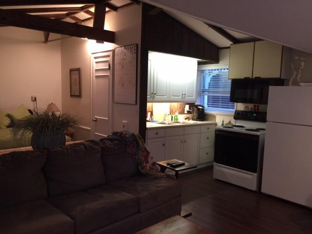 Guest Cottage, clean, convenient and remodeled., holiday rental in Sarasota