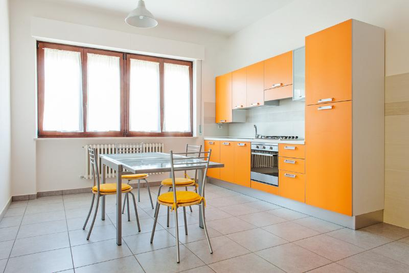 Residenza 23 - Girasole, holiday rental in Province of Fermo