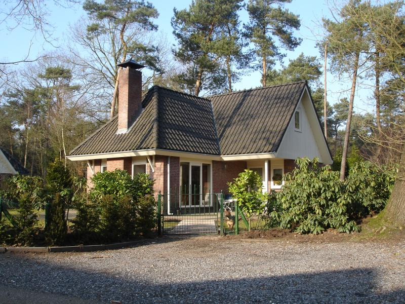 Holidays Veluwe Woods: Handicapped & Seniors, vacation rental in Gorssel