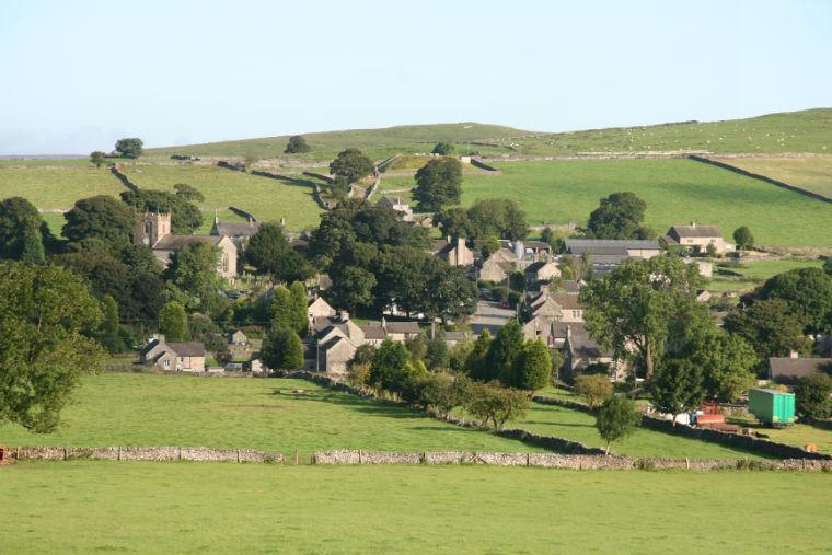 Die hübsche Stein-Dorf Wetton inmitten der ruhigen Hügel von der Dovedale und vielfältige Täler.