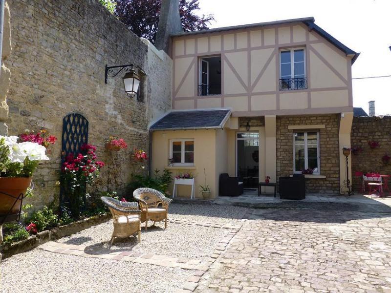 Maison de charme Bayeux centre avec garage., casa vacanza a Bayeux