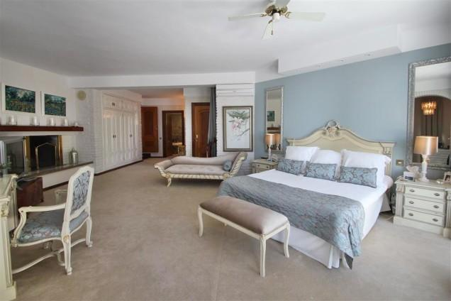 Very large master bedroom with large terrace and amazing views