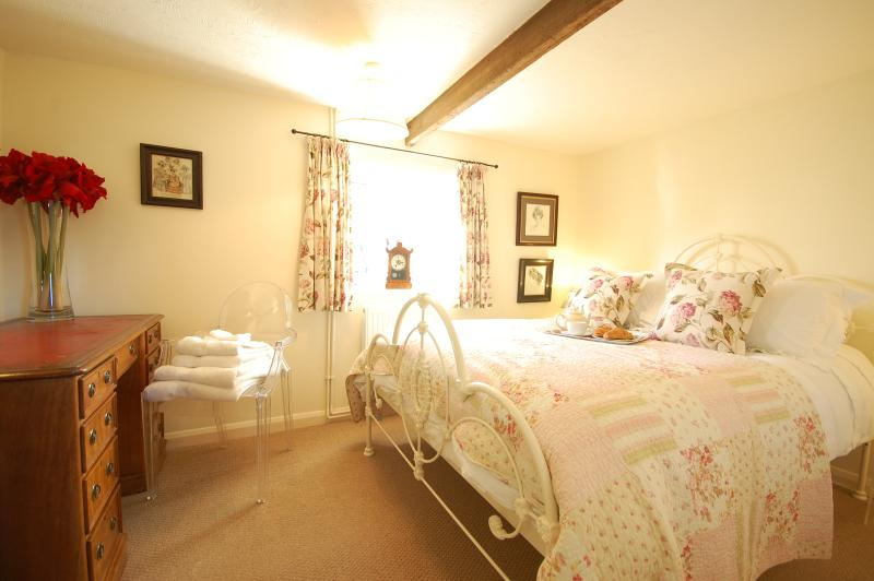 Sleep well in this comfortable double bed