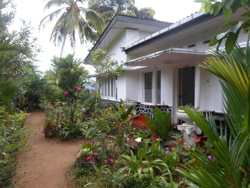 Sinharaja Tranquil Top Homestay, vacation rental in Hiniduma