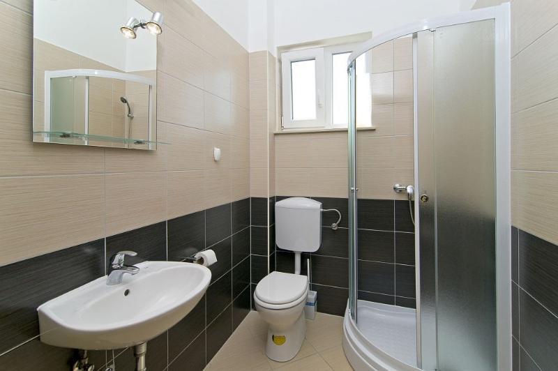 Top floor bathroom #2