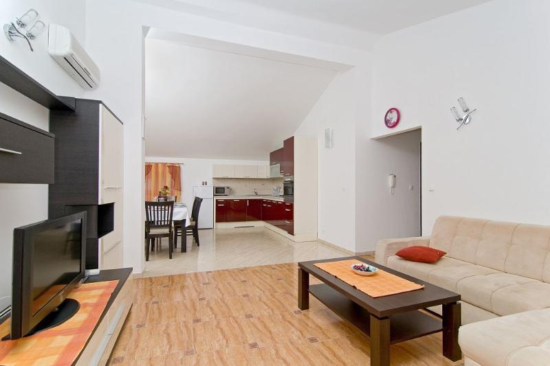 Top floor living room