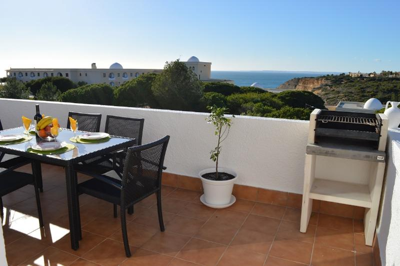 Amazing apartment with sea view-K, holiday rental in Carvoeiro