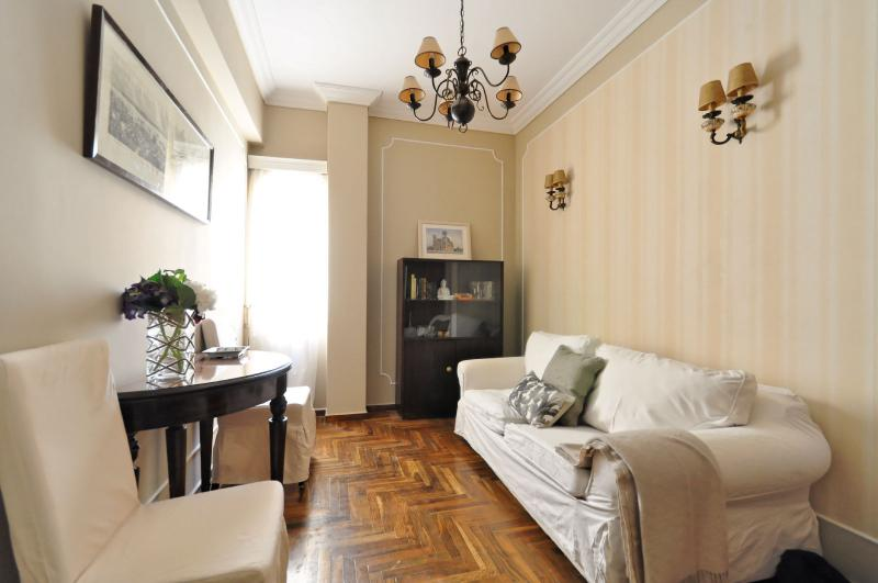 PLAKA CLASSICAL:L-L-Location!!, holiday rental in Athens