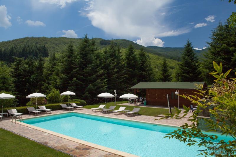 Holiday House il Borgo Dei Corsi, holiday rental in Quota