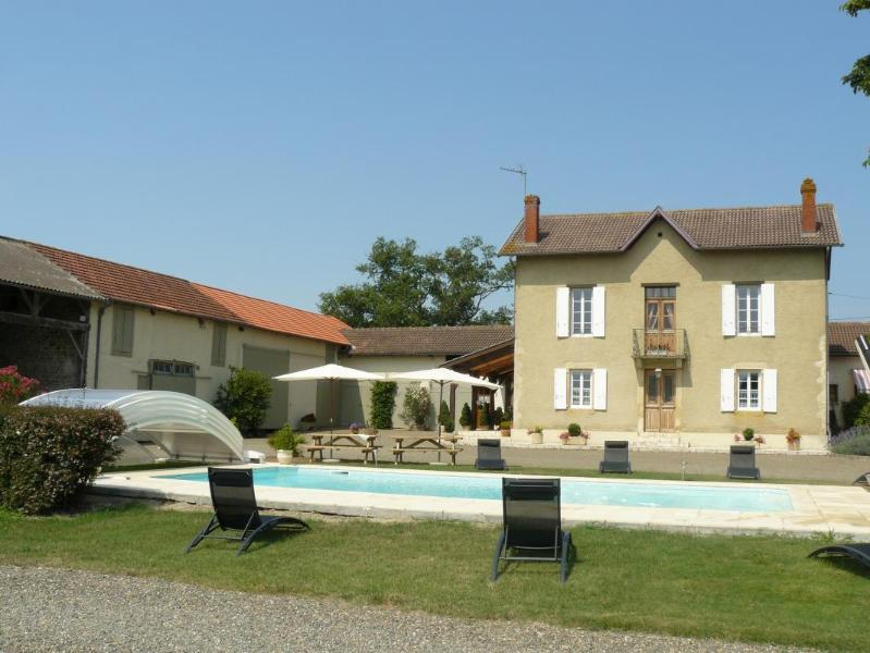 Beautiful Gascon house in Ségos (Gers), vacation rental in Theze