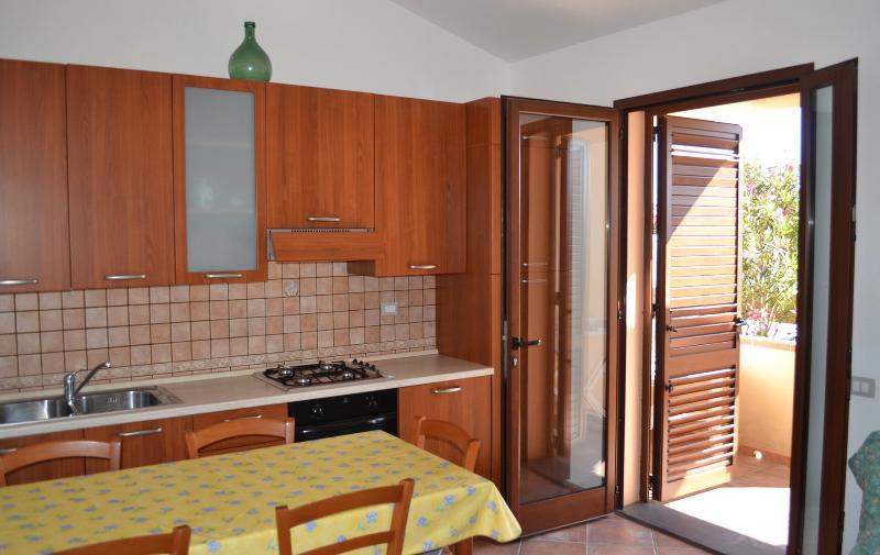 Appartamenti Famiglia Pinna - Villa Serena -, holiday rental in Oristano